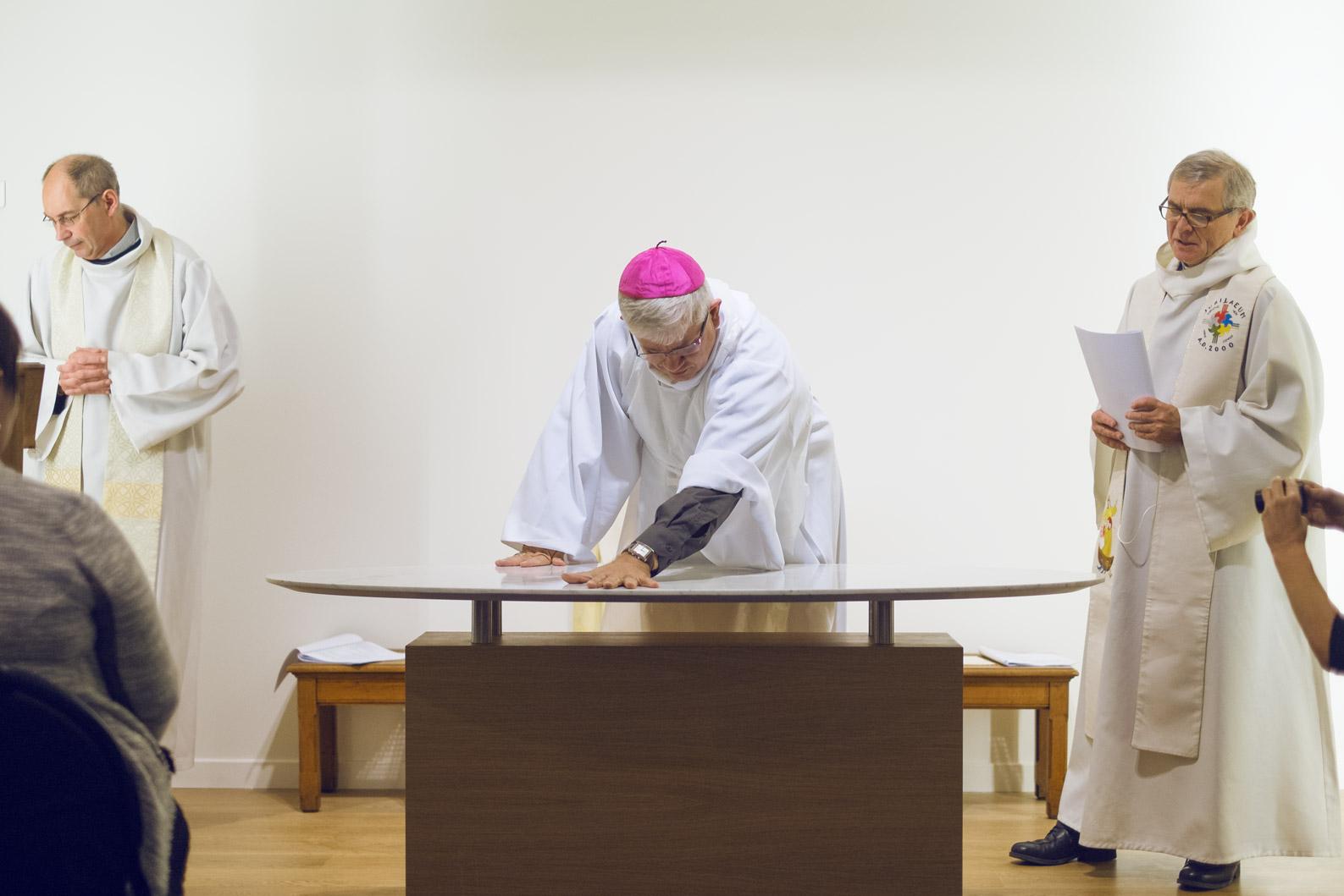 Consécration autel CHU 2014