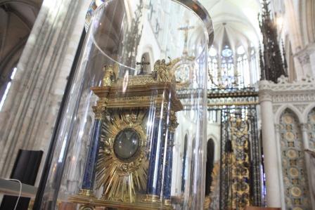 La relique est arrivée à la cathédrale