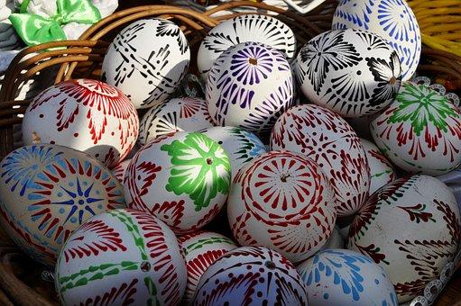 La chasse aux œufs de Pâques ! - Diocèse d'Amiens